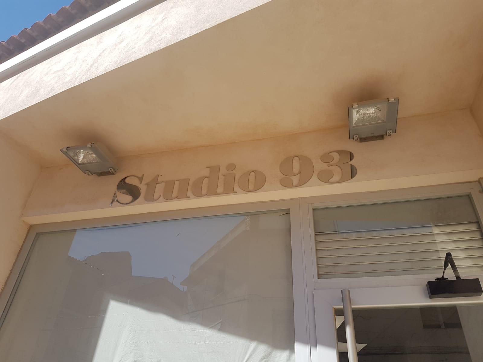 Peluqueria Studio 93 2